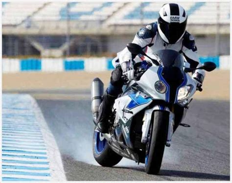 bmw wins tourist trophy  bikes doctor