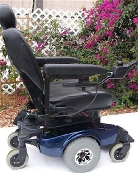 pronto r2 power chair electric wheelchair footplate footrest invacare pronto r2