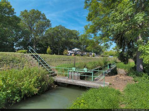 si e de canal canaux de bourgogne le site de vandenesse