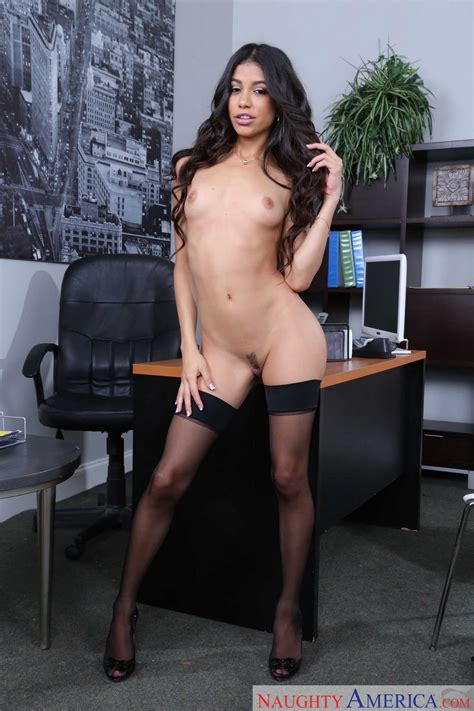 Hot business woman Veronica Rodriguez strips in the office - My Pornstar Book