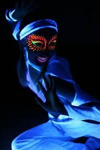 Best 25+ Uv makeup ideas on Pinterest | Black light makeup ...