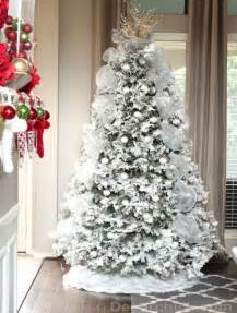 Flocking Spray For Christmas Trees by 30 Christmas Tree Diy Ideas Art And Design