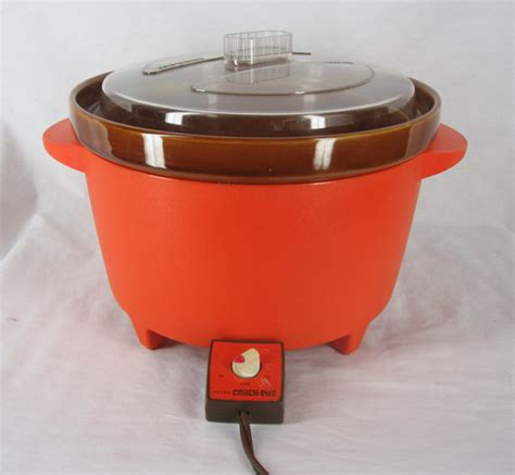 vintage rival crock pot cooker orange color working vintage rival crock pot retro bright orange