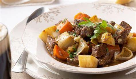 騅iers cuisine chef kok ren 233 pluijm onthult ierland s culinaire geheimen