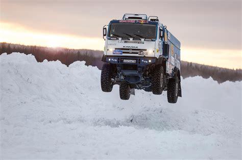 hp  ton dakar rally truck  fly