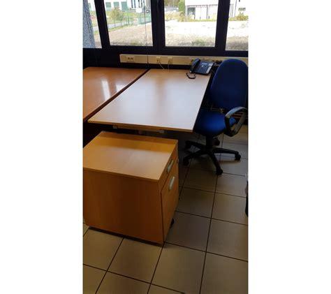 bureau surintendant des faillites petit bureau en bois clair avec faillites info