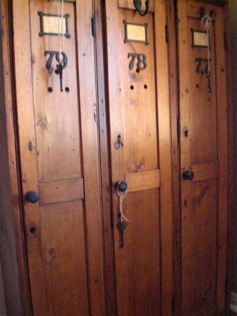 Spinde Aus Holz by Best 25 Vintage Lockers Ideas On Lockers