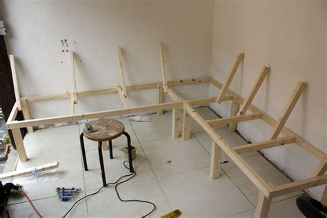 build  corner booth seating bench   seasons