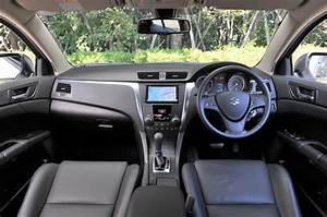 Suzuki Kizashi 2.4 Sport saloon first UK drive