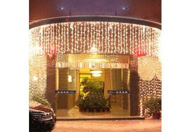 lichterkette außen weihnachten lichtervorhang 187 g 252 nstige lichtervorh 228 nge bei livingo kaufen