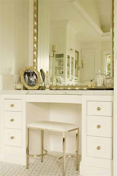 built  bathroom vanity design ideas