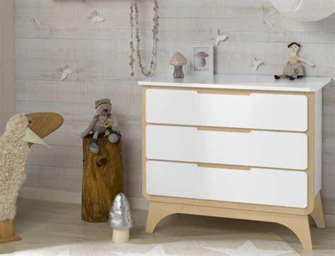 chambre bébé bois chambre bébé complète bonheur blanc et bouleau