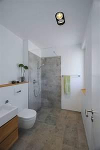 Toilette Mit Dusche : l18 wc mit dusche badezimmer und minimalistische b der ~ Watch28wear.com Haus und Dekorationen