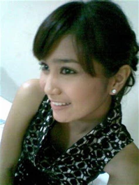 profil foto bunga zainal foto gambar seksi