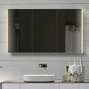 Badezimmer Spiegelschrank Günstig : badezimmer spiegelschrank mit led beleuchtung lichtleistenden acryl streifen 120cm hlc120h72 ~ Markanthonyermac.com Haus und Dekorationen