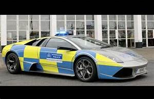 25 Insanely Fast Police Supercars from Around the World ...