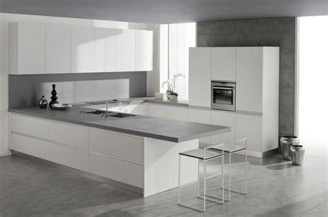 cuisine sol gris cuisine blanche sol gris 3 plan de travail cuisine