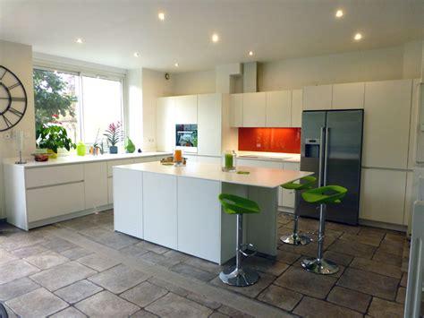 plan cuisine ouverte plan de cuisine ouverte sur salle a manger idee cuisine