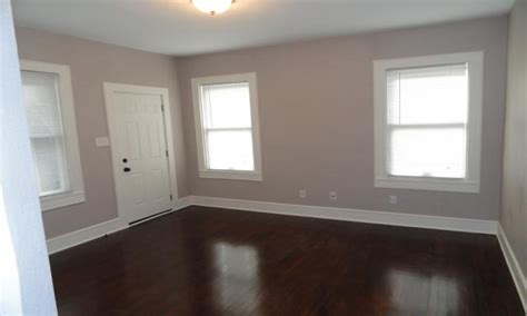 what color to paint walls with wood floors new