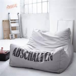 kleines sofa für jugendzimmer jugendzimmer einrichten möbel deko und hilfreiche tipps living at home