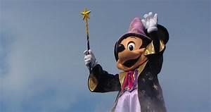 Mickey Mouse Geburtstag : mickey mouse feiert im disneyland paris geburtstag ~ Orissabook.com Haus und Dekorationen