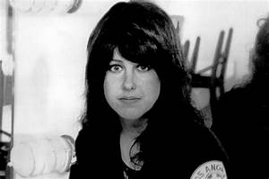 Listen to Grace Slick's Hair-Raising Vocals in the ...