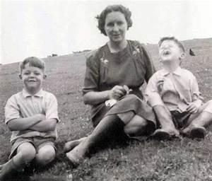 Paul McCartney Mary McCartney and Michael McCartney | Rare ...