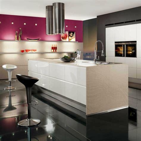 cuisine blanc et violet cuisine blanche laquée 99 exemples modernes et élégants