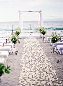 15 romantic and simple beach wedding ideas home design With simple beach wedding ideas