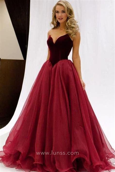 elegant  tone burgundy velvet  tulle strapless