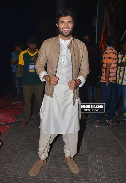 You have to follow him for his fabulous fashion styles. 19 Crazy Outfits Only 'Vijay Deverakonda' Can Pull Off ...