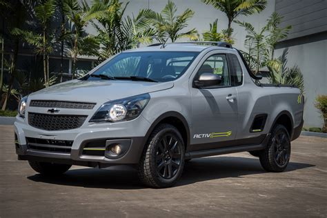 Chevrolet Montana by Silver Chevrolet Montana Truck Wallpapers And