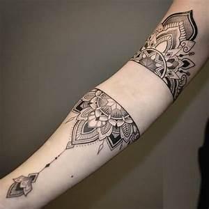 Mandala Tattoo Unterarm : 31 marvelous mandala tattoo photos ~ Frokenaadalensverden.com Haus und Dekorationen
