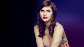 Alexandra Daddario MakeUp PhotoShoot HD ...