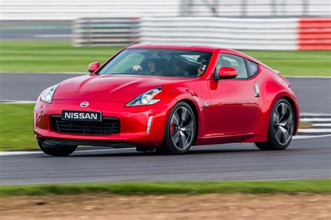 nissan  gt  review car magazine