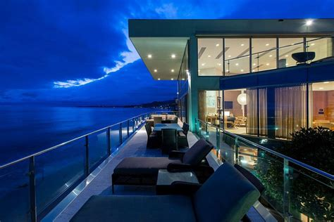 living  dream    ocean sensational malibu beach house