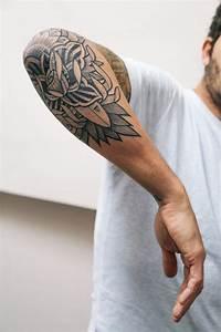 Tatouage Demi Bras Homme : 1001 id es de designs uniques de tatouage manchette ~ Melissatoandfro.com Idées de Décoration