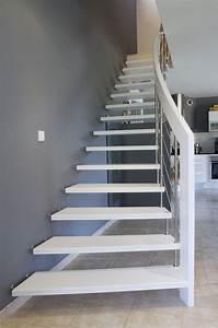 Style nova escalier suspendu design laque blanc for Peindre des escalier en bois 9 style nova escalier suspendu design laque blanc