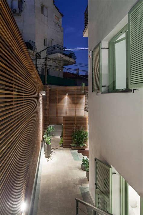 Brise-vue En Bois Sur La Terrasse D'un Appartement De