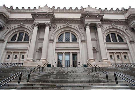 met museum is being sued admission fees the new york times