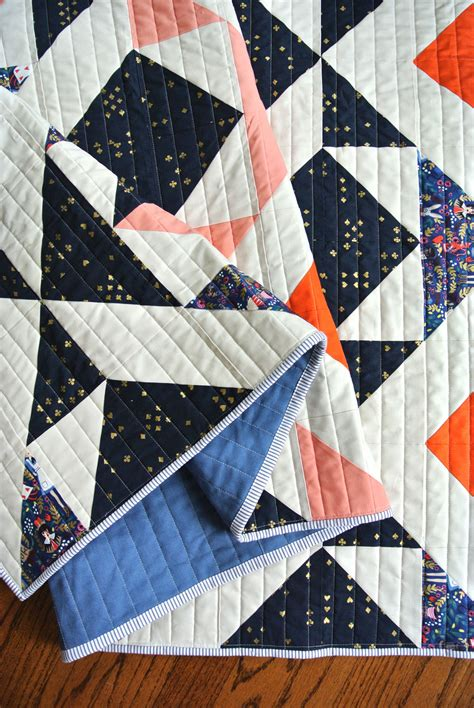 Chain Piecing Quilt Rows  Video Tutorial!  Suzy Quilts