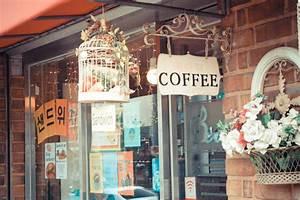 Falling in Love at Coffee Shop - Nidyholic