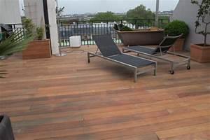 lamelles de terrasse en bois exotique With jardin autour d une piscine 10 terrasse en bois sur poteaux avec escalier moissannes