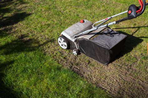 Wann Soll Rasen Vertikutieren by Rasen Vertikutieren 187 Wann Ist Der Beste Zeitpunkt