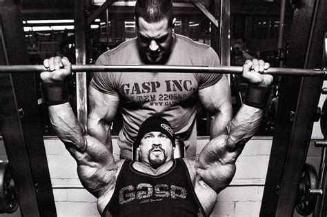 Bench Press Strength Routine by Men S Workout Routine To Get Big And Ripped