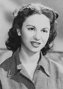 Top-30 Most Beautiful Egyptian Women. Photo Gallery  Faten