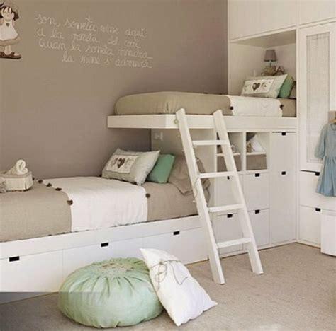 chambre deux lits bien aménager une chambre pour deux enfants ps lits et