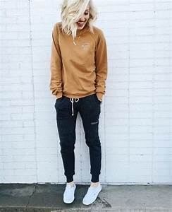 21 Women Outfits With Jogger Pants - Styleoholic