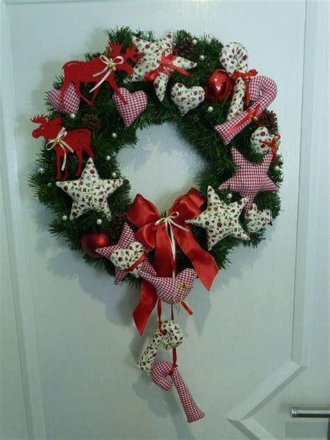 weihnachtsdeko tuerkranz weihnachten sterneherzen