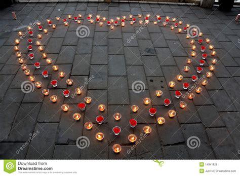 candele a cuore candele a forma di cuore fotografia stock immagine